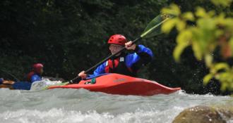 Garmisch Patenkirchen Kajak im Genusswasser